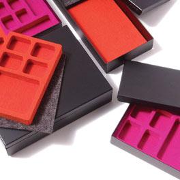 Compact Desk: Stefan Kahn